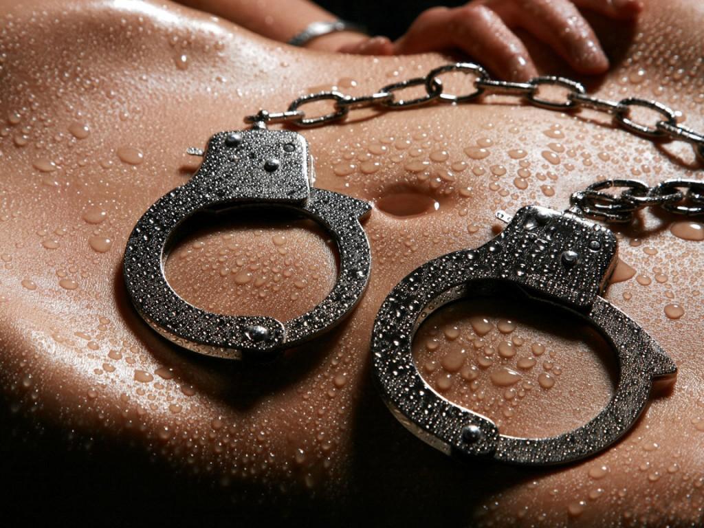 фото бдсм наручники