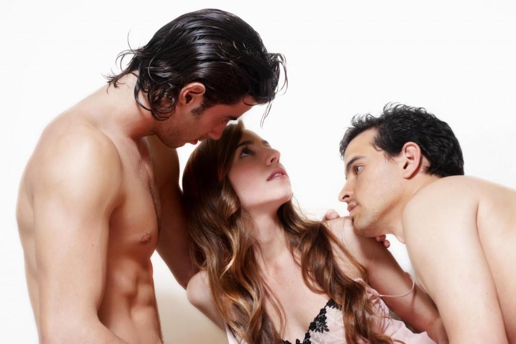 я с мужем участвовала в групповом сексе